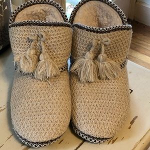 Slipper booties shearling lined xl size 11-12 NEW